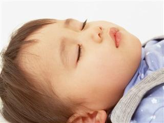 鼻づまりで眠れない子供に解消法!乳幼児から園児まで、症状別解消法