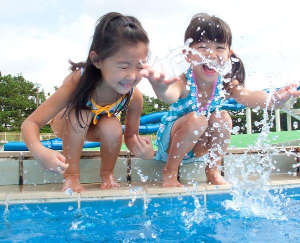 東京都区内で水遊びができる公園一覧、じゃぶじゃぶ池に行くときの持ち物や服装もチェック!