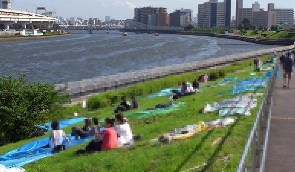 隅田川の花火大会、2015年は雨ふる?場所取り短縮の穴場で子供と見よう!