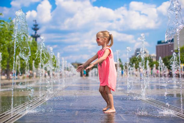都内で、幼児や赤ちゃんが水遊びができる公園