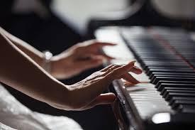 電子ピアノを子供(3歳児)に購入しました。おススメはヤマハ、カシオ、カワイ、それともローランド?