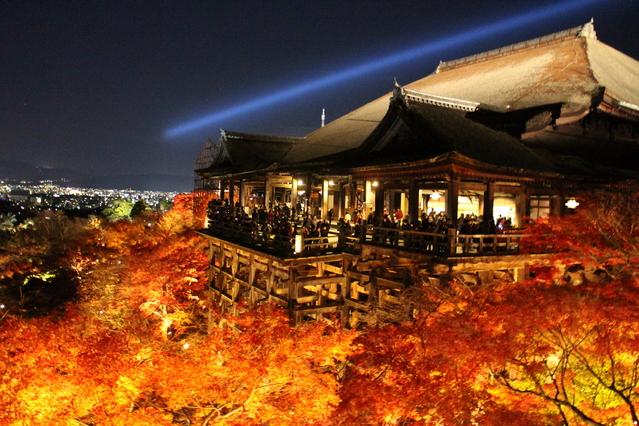 清水寺の紅葉ライトアップ(夜間拝観)情報・料金や時間とアクセス方法