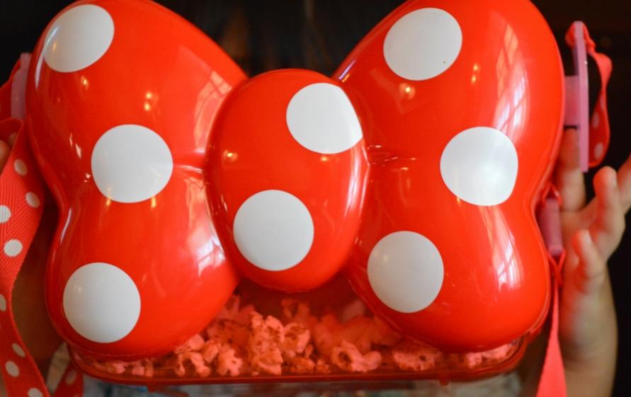 ディズニーランドのポップコーン・バケットで一番かわいいリボンデザイン