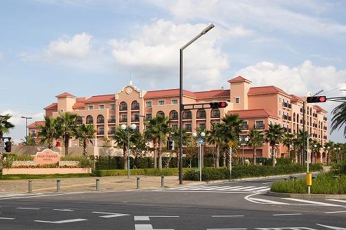 ディズニー 新ホテル(東京ディズニーセレブレーションホテル)  少し歩けばコンビニ、レストランも充実!